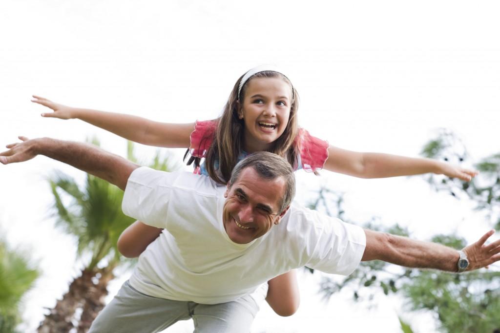 Risultati immagini per padre e figlia a cena
